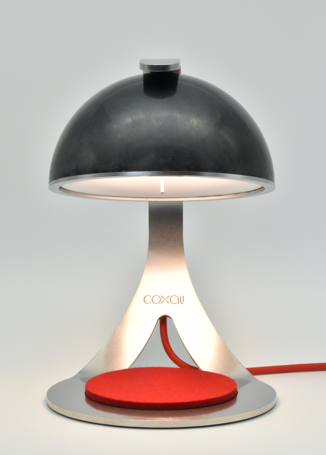 Alma E.1 : Rotes Filzpad ∙ LED ON
